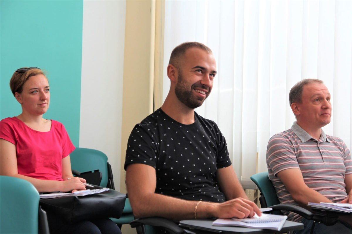 http://www.probusiness.center/wp-content/uploads/2015/07/Алексей-Кошелев-тренинг-Nemiroff-2.jpg